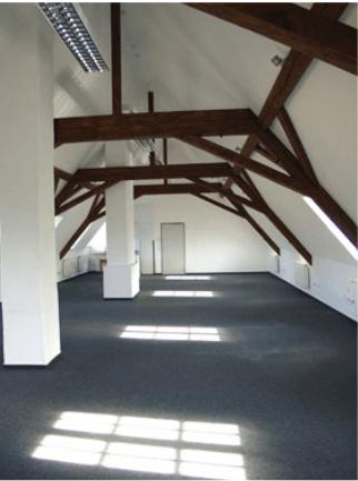 leeres Dachgeschoss mit jeder Menge PLatz für Büros in Wetzlar beim ZHTK